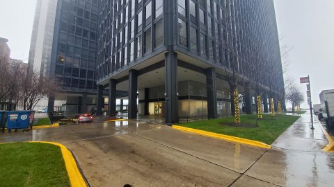 Parking for 900-910 N Lakeshore