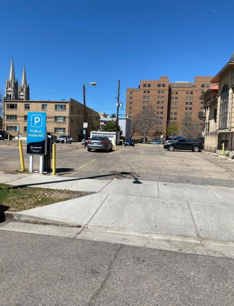 Parking for 1543 Pearl Street