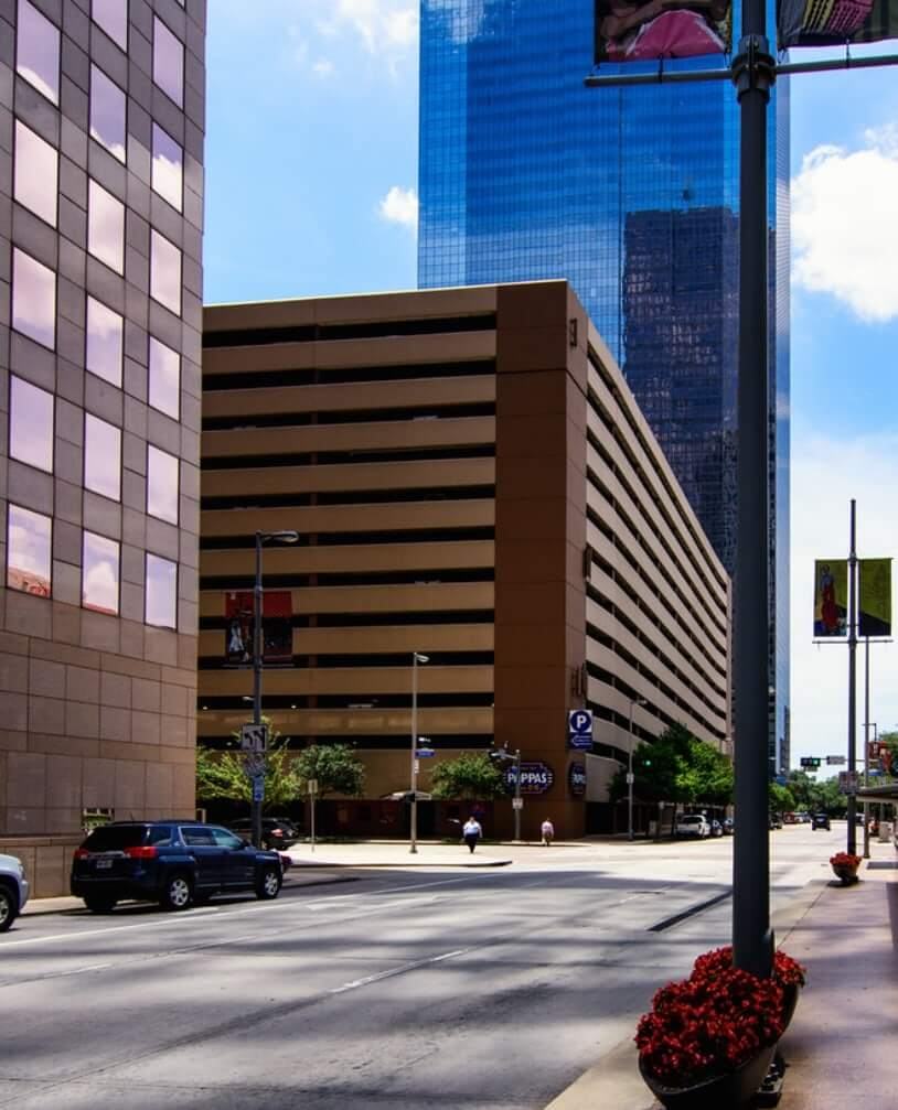 1100 Smith Office Building | Propark Mobility Office Parking Management